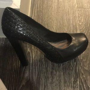 Ladies high heel black shoe
